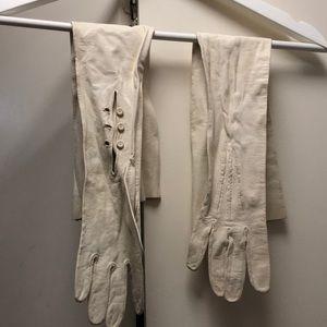 Accessories - Stunning ivory deerskin long gloves